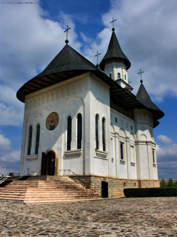 qdok2_m_manastirea-hadambu_1313862892.jpg
