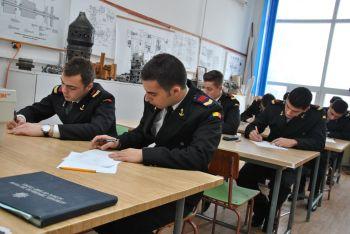 thumb_350_7i2ew_studenti-militari.jpg