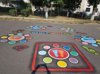 thumb_350_a0r0i_jocuri-curte-scoala.jpg